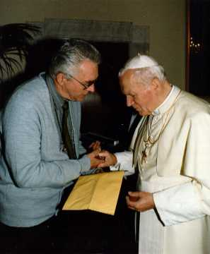 Br. John meets with the Holy Father in Rome on December 9, 1993.